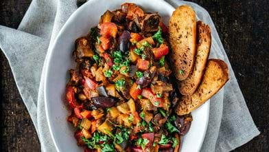 Caponata met Food Fellows pastasaus