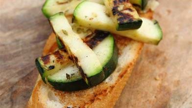 Courgette bruschetta