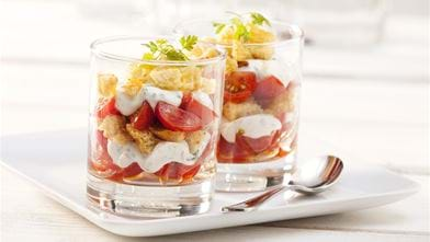 Tomatentrifle met knoflook croutons